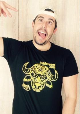 Camiseta El Búfalo Negra con Color